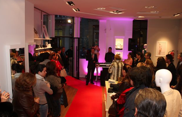 Naf Naf en Huelva inauguracion